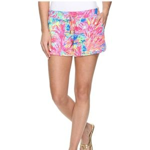 """Lilly P  4"""" Vina Short Multi Palm Beach Coral S/27"""